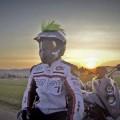 Helm-Ohren in freier Wildbahn - Helmirokese auf Motocrosshelm